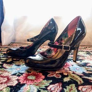 🎉3/$15 sale! Madden Girl black heels